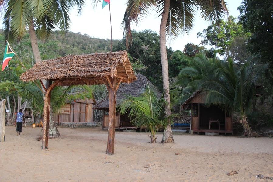 dhow nosy be - camp - Madagascar Holidays
